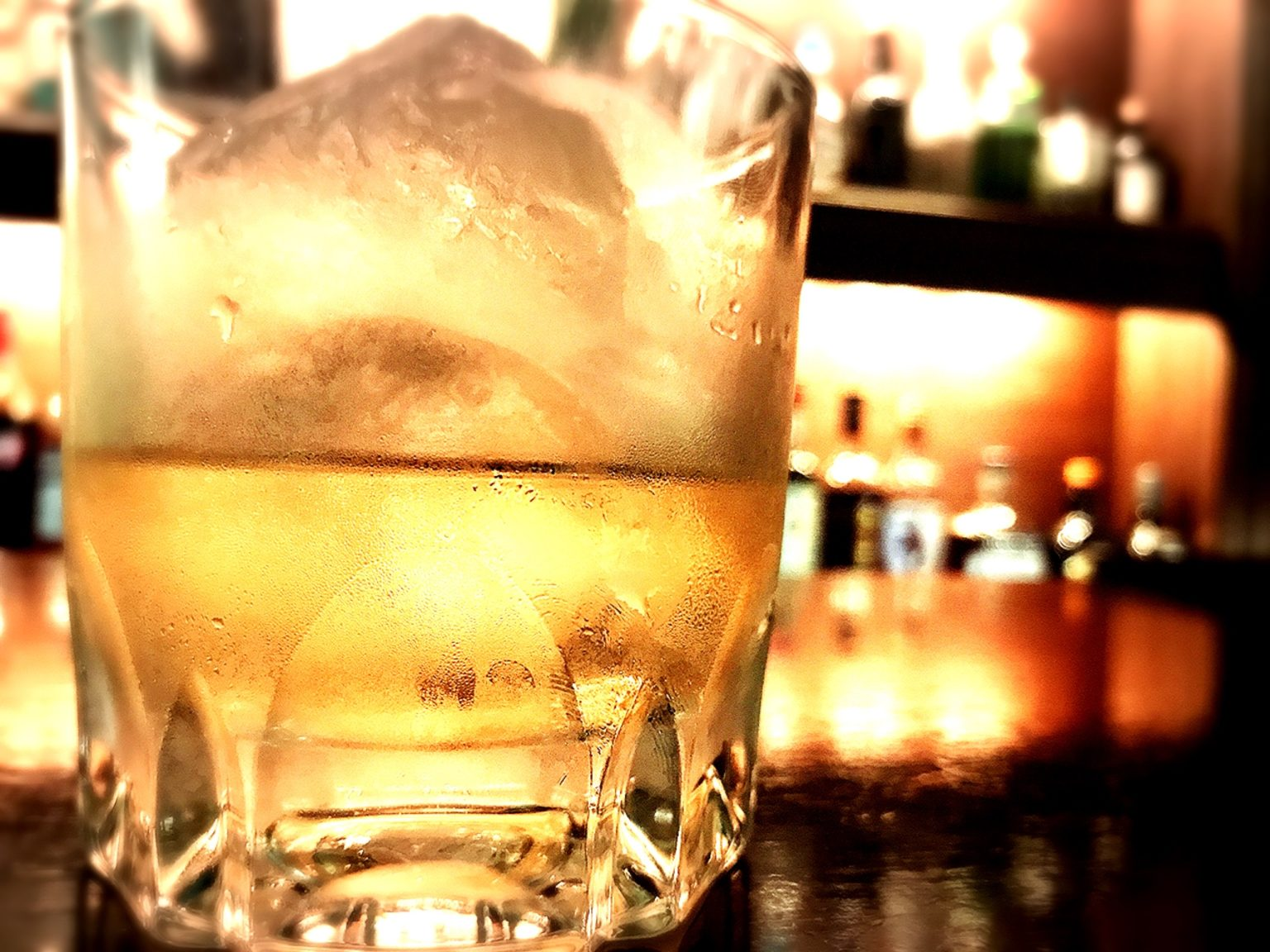 ウィスキーの飲み方まとめ 宅飲みでもロックやハイボールだけじゃ物足りない
