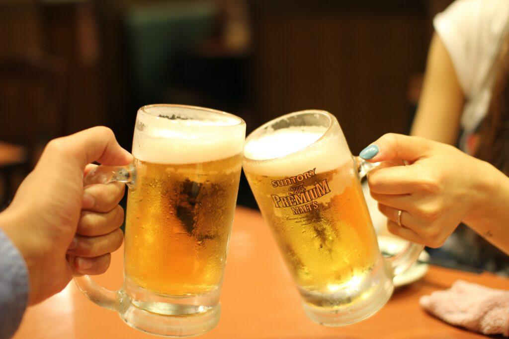 缶ビールとお店で飲むビールの違い
